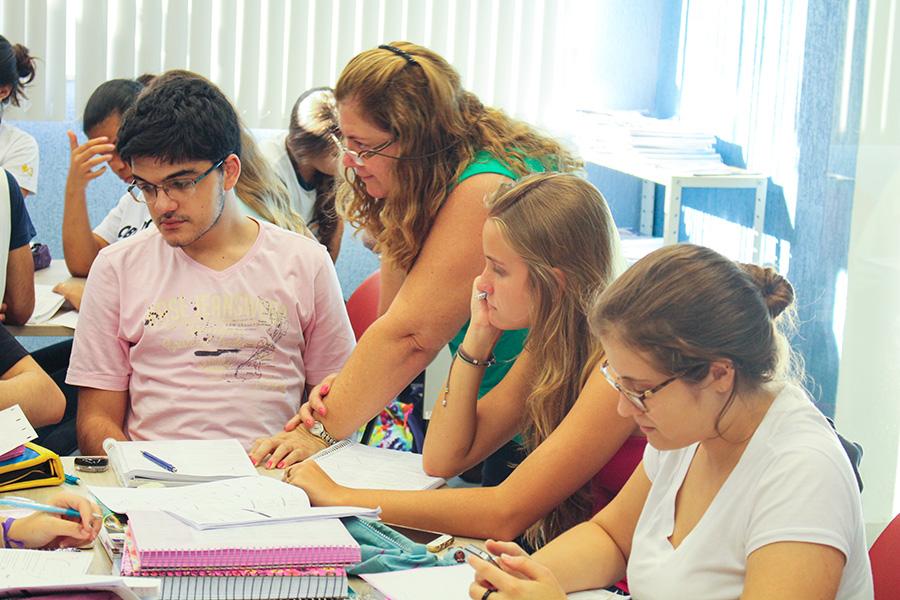 Sala de estudos - Curso Pré-Vestibular e 3º Ensino Médio