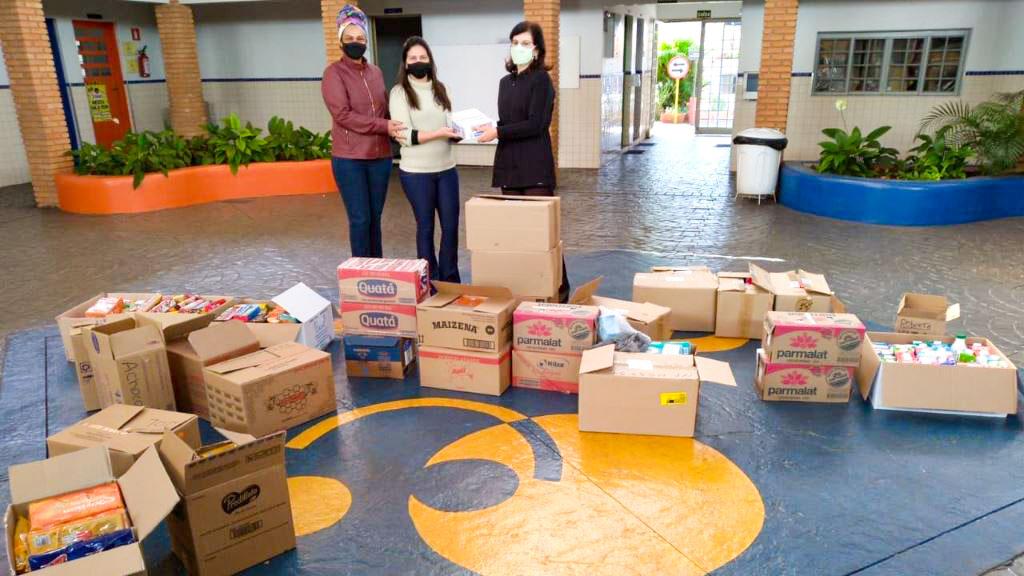 Colégio Objetivo doa alimentos à Rede de Solidariedade